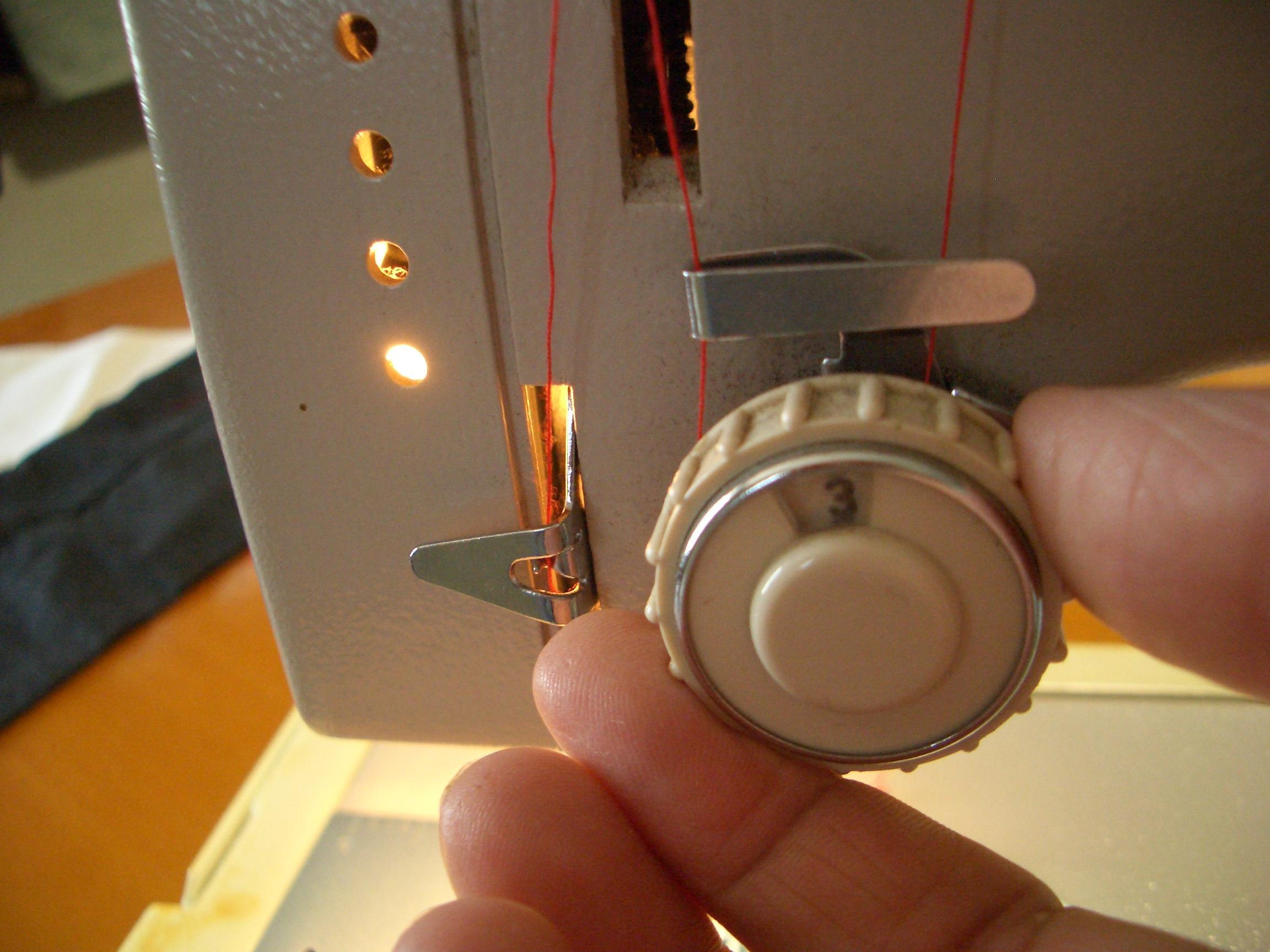 Come regolare la tensione della macchina da cucire for Macchina da cucire seiko special