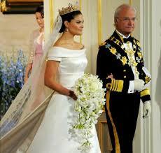Victoria in abito da sposa