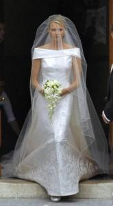 principessa Charlene con abito Armani prive satin avorio