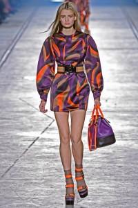 Versace collezione sfila a Milano