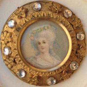 bottone raffigurante Maria Antonietta 1800