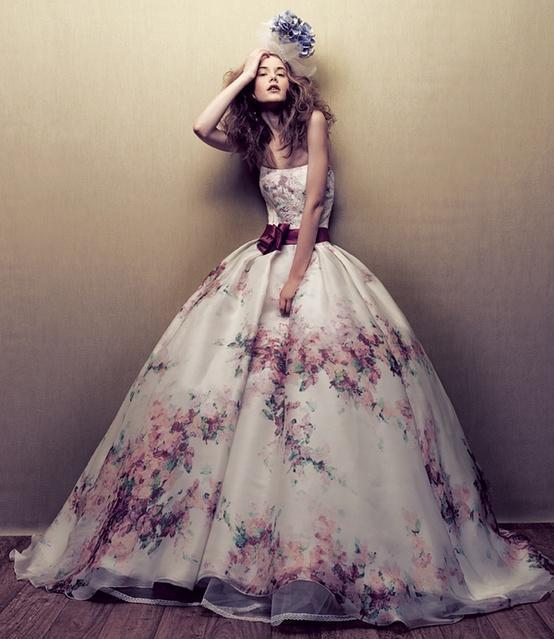 Ben noto FIORI negli abiti e nei cappelli » Fashion Frozen VU79