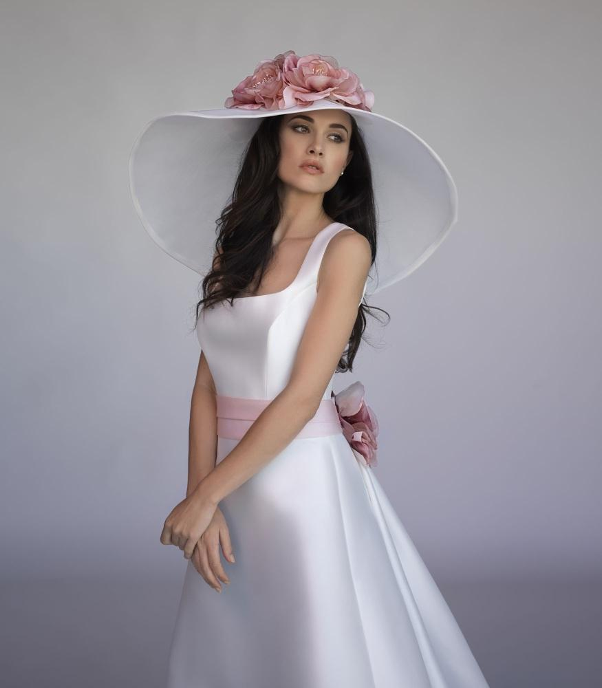 Abiti Eleganti Con Cappello.Fiori Negli Abiti E Nei Cappelli Fashion Frozen
