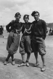 camice nere con i pantaloni alla zuava 1930