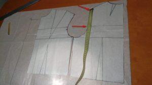 Misura il corpino dal punto spalla a linea torace