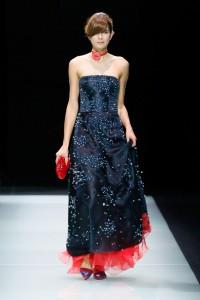 abito di Giorgio Armani sfilata fashion week