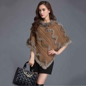lana e pelliccia per un poncho