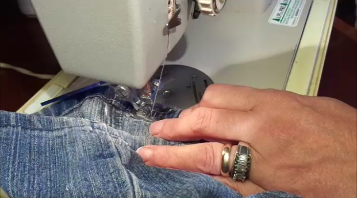 Cucire il jeans senza saltare punti