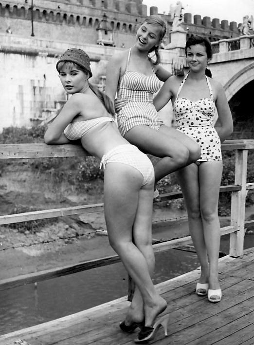 Alcune attrici degli anni 60 che indossano il bikini. la prima Marisa Alassio